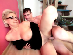 Mom in glasses fuck on the..