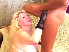 Mature blonde bbw sucks and..