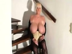 Bbw oils up her tits