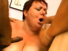 Kinky mature bitch takes in..